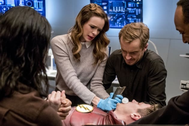 Joe assists with surgery - The Flash Season 3 Episode 15