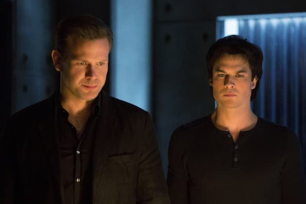Mending Fences - The Vampire Diaries Season 8 Episode 12