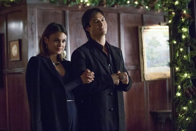 Guess Who's Coming to Dinner - The Vampire Diaries Season 8 Episode 7