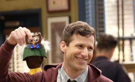 Favorite Toy - Brooklyn Nine-Nine Season 6 Episode 16