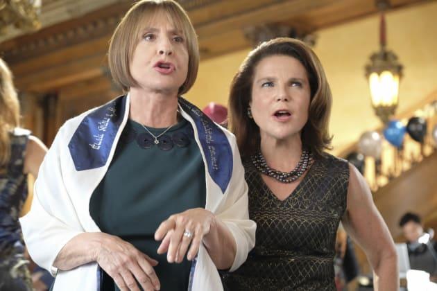 Rebecca's Mom and Rabbi - Crazy Ex-Girlfriend Season 2 Episode 10