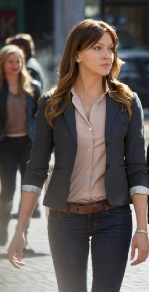 Katie Cassidy as Laurel Photo