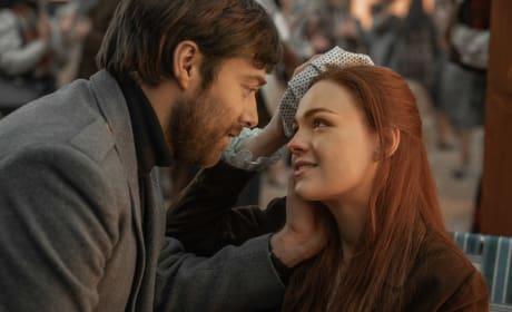 Roger and Bree Get Close  - Outlander Season 4 Episode 2