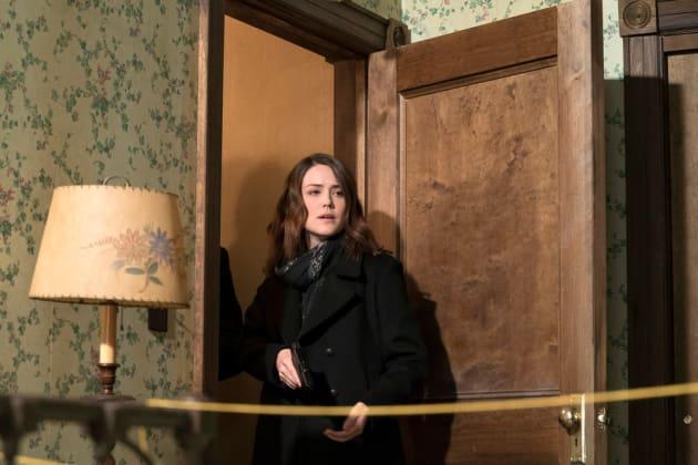 Liz discovers something shocking - The Blacklist Season 4 Episode 15