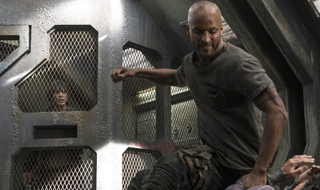 Beating Up Sinclair? - The 100 Season 3 Episode 8