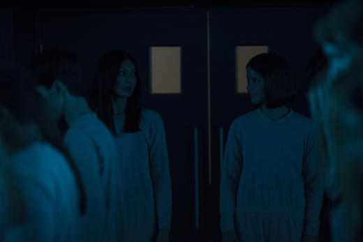 Mia and Hester are in Danger - Humans Season 2 Episode 7