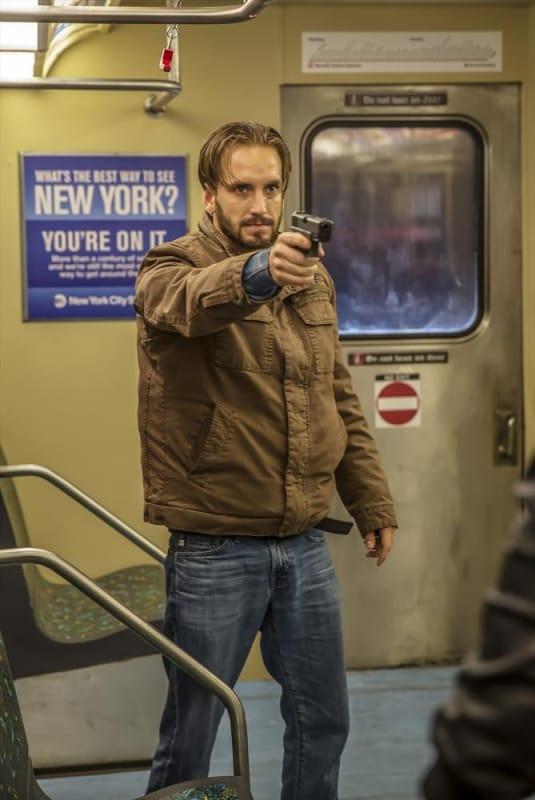 Pointing His Gun - Castle Season 7 Episode 8