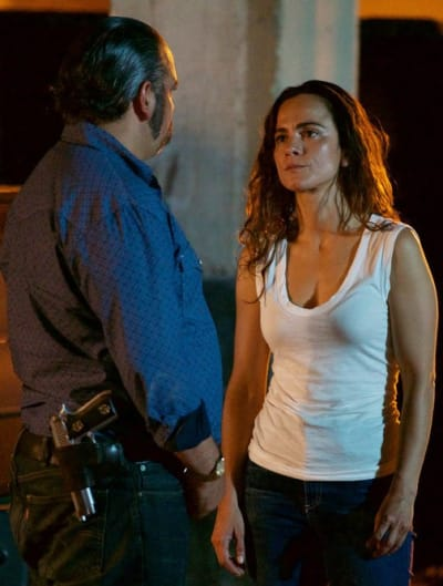 Coming Up With a Plan - Queen of the South Season 3 Episode 13