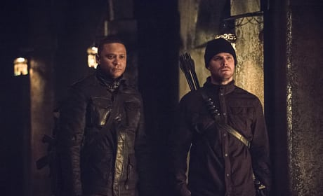 Looking on in Horror - Arrow Season 3 Episode 15