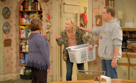 Becky's Fight - Roseanne Season 10 Episode 4