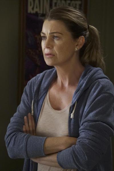 Uneasy Meredith - Grey's Anatomy Season 13 Episode 1