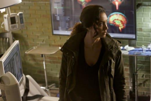 Samar in the hospital - The Blacklist Season 4 Episode 19