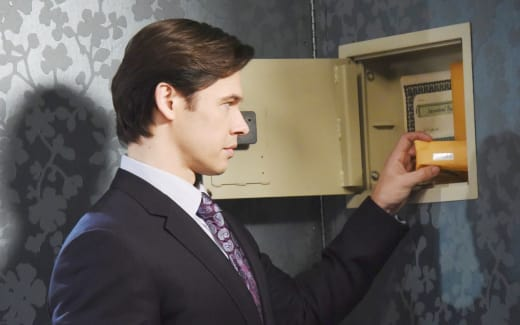 Xander Leaves Salem - Days of Our Lives