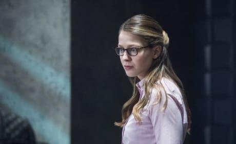Worried x 2 - Supergirl Season 2 Episode 19