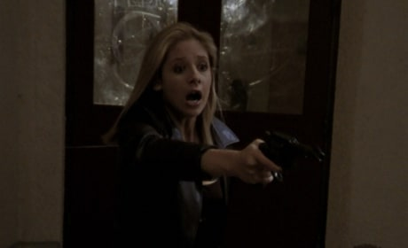 Ghostly Roles - Buffy the Vampire Slayer Season 2 Episode 19