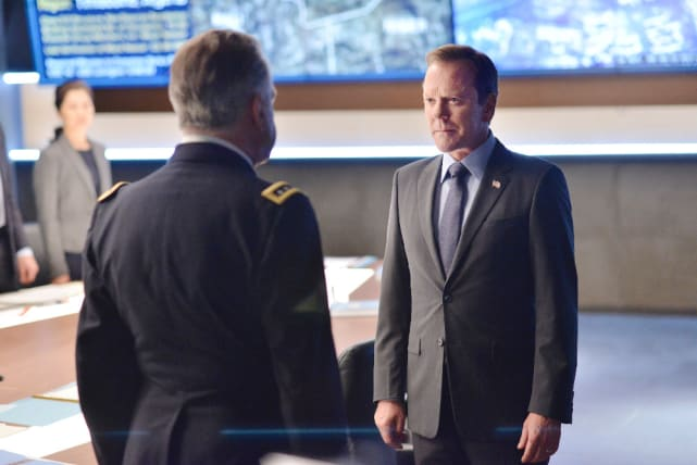 Face Off - Designated Survivor Season 1 Episode 4