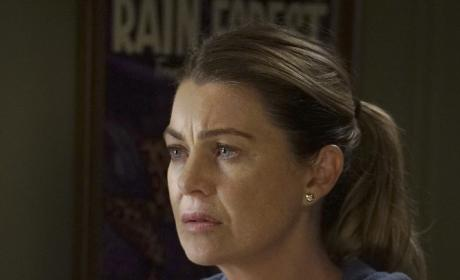 Uneasy Meredith - Grey's Anatomy Season 13 Episode 1