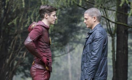 Captain Unconvinced - The Flash Season 3 Episode 22