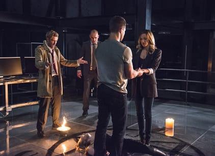 Watch Arrow Season 4 Episode 5 Online
