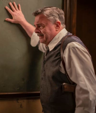 Frustrated Lewis - Penny Dreadful: City of Angels Season 1 Episode 6