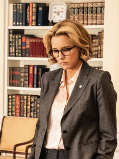 (TALL) Looking Presidential - Madam Secretary Season 5 Episode 14