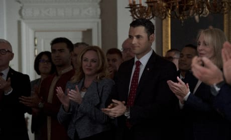 A Standing Ovation - Designated Survivor Season 1 Episode 19