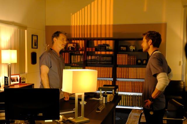 Toe to Toe - The Resident Season 1 Episode 1