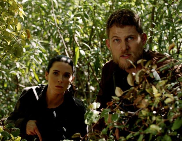 On the Ground - The Last Ship Season 4 Episode 8