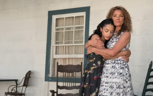 Darla's Reunion - Queen Sugar Season 2 Episode 13