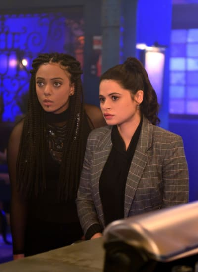 Mel and Jada Investigate - Charmed (2018) Season 1 Episode 11