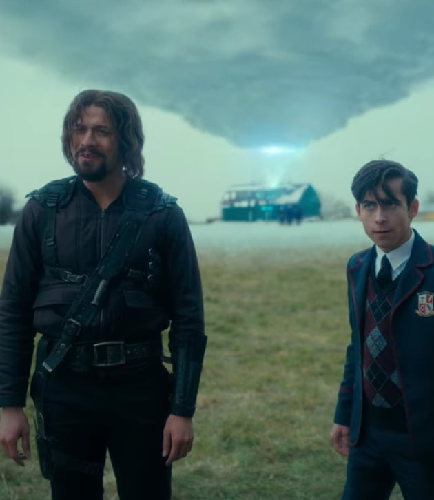 Five and Diego - The Umbrella Academy Season 2 Episode 10 ...