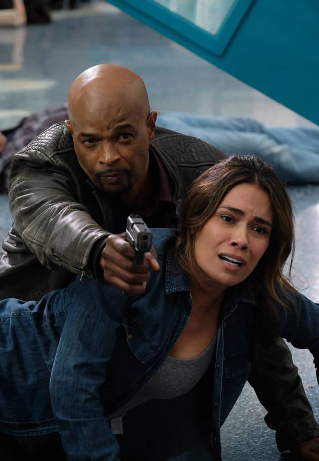 Murtaugh's Got This - Lethal Weapon Season 1 Episode 17
