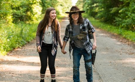 Carl and Enid - The Walking Dead Season 7 Episode 5