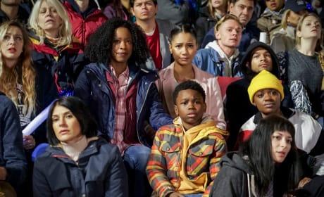 Crowd - All American Season 1 Episode 16