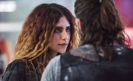 Luna — The 100 Season 4 Episode 8