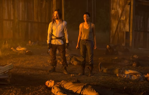Jesus and Sasha - The Walking Dead Season 7 Episode 5