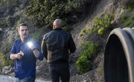 Looking for a Fugitive - NCIS: Los Angeles