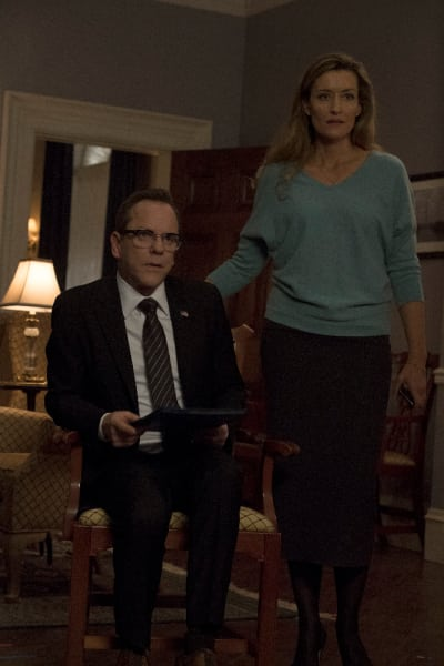 President and First Lady - Designated Survivor Season 1 Episode 16