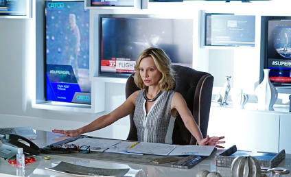 Supergirl Season 2: Calista Flockhart and Tyler Hoechlin Return!