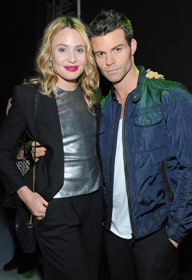 Leah Pipes and Daniel Gillies