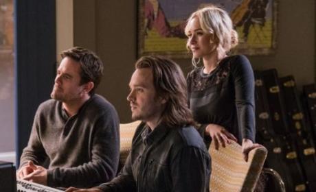Juliette singing - Nashville Season 5 Episode 11