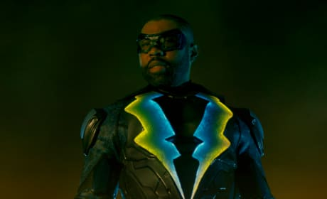Father's Worry - Black Lightning Season 2 Episode 8