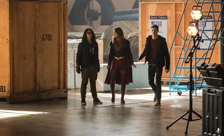 Kara, Barry, and Cisco - The Flash Season 3 Episode 8