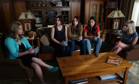 "Pretty Little Liars Photos From ""FrAmed"""