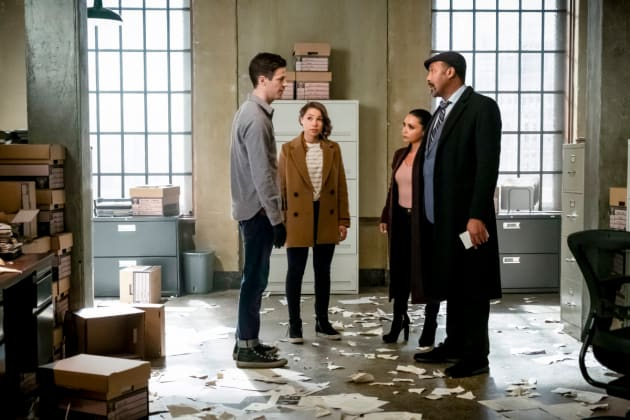 Team Flash Too Little Too Late - The Flash Season 5 Episode 17