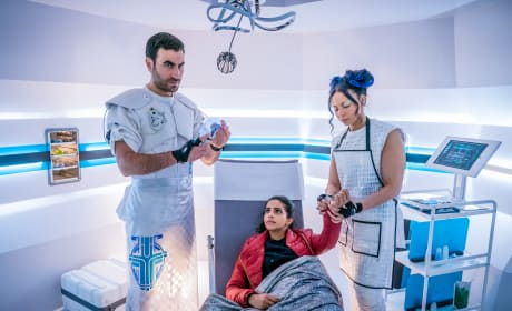 Yaz Gets A Check-Up - Doctor Who Season 11 Episode 5