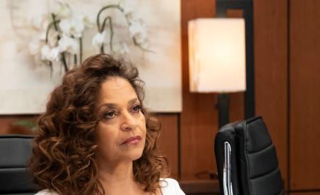 Cracking Down  - Grey's Anatomy Season 15 Episode 24