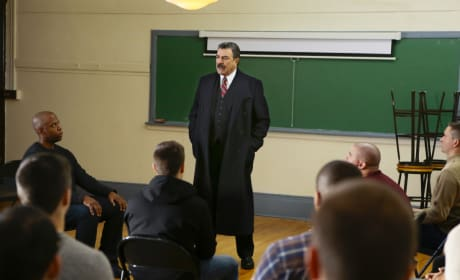 A Secret Meeting - Blue Bloods Season 7 Episode 11