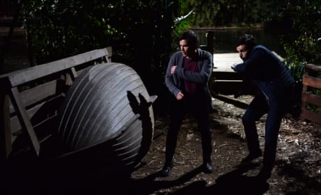 Dodging Arrows - Pretty Little Liars Season 5 Episode 24