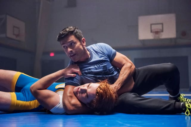 The Wrestling Team - Riverdale Season 2 Episode 11